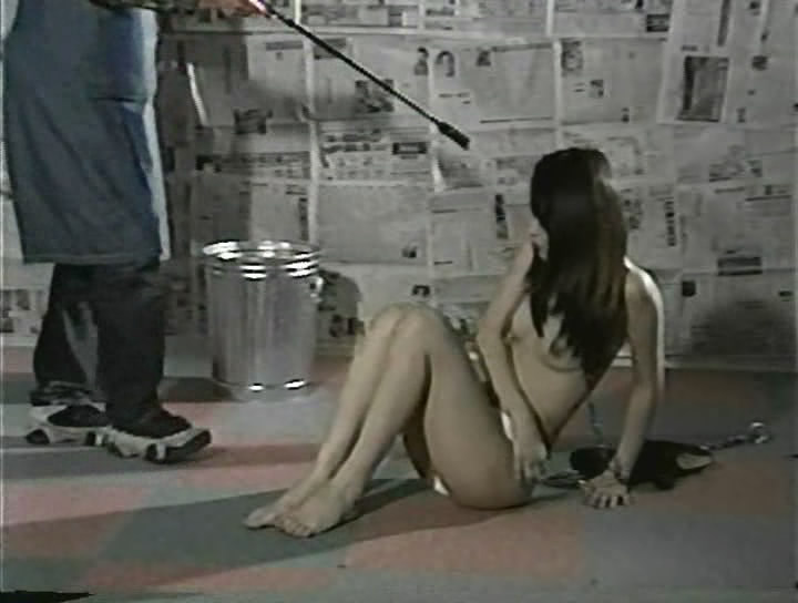 обесчестили девушку в кино видео